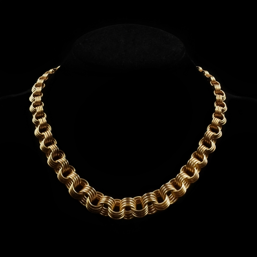 Decorarieve rose gouden halsketting dertigerjaren