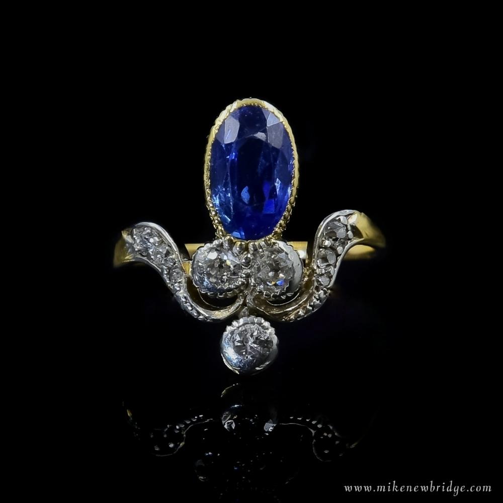 Tiara ring met saffier en diamant