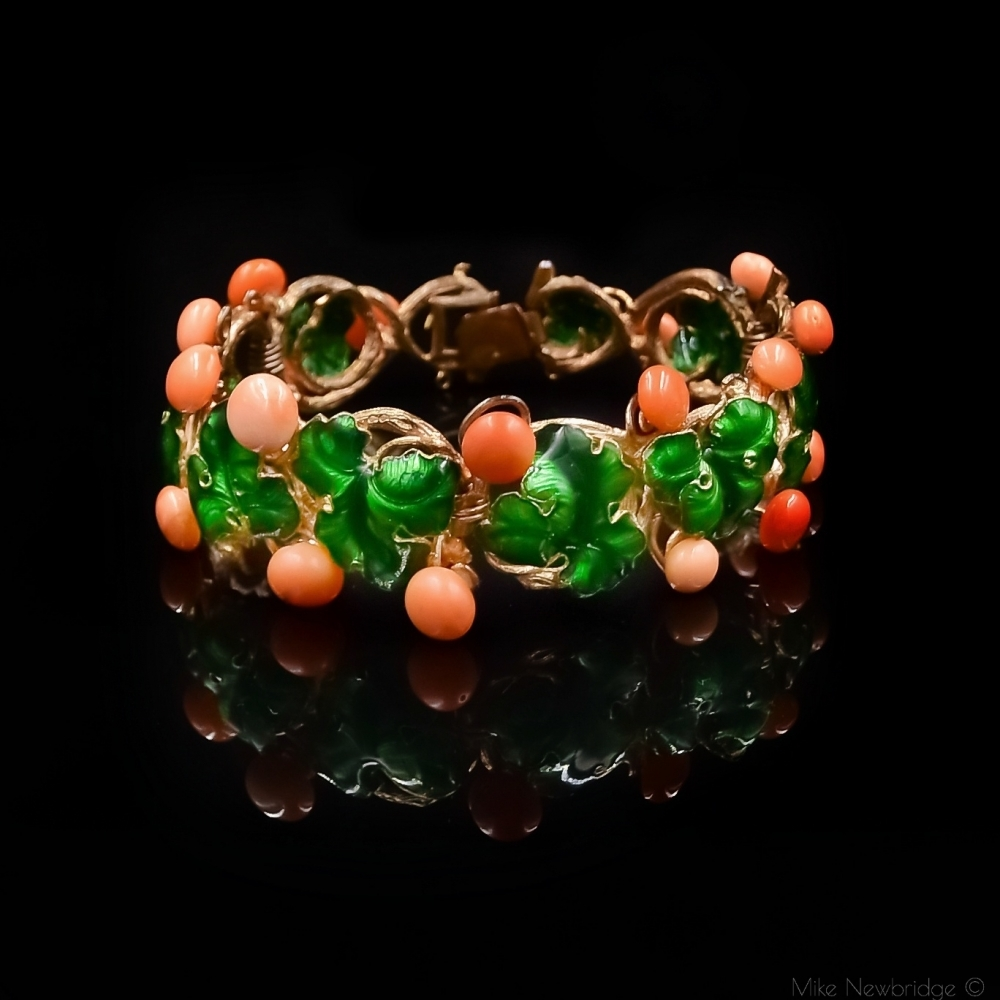 Florale armband met groen email