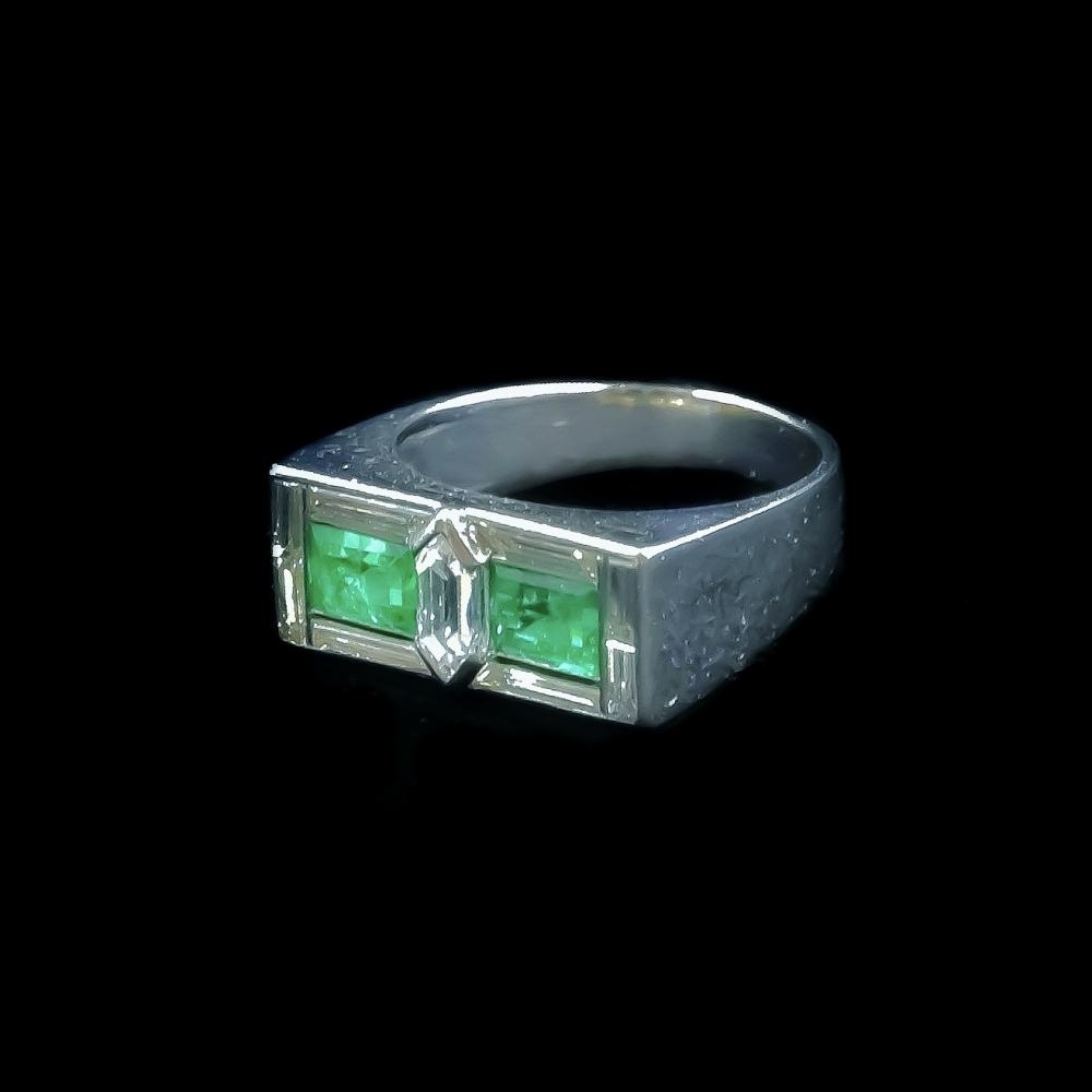 Smaragd en diamanten ring Art Deco