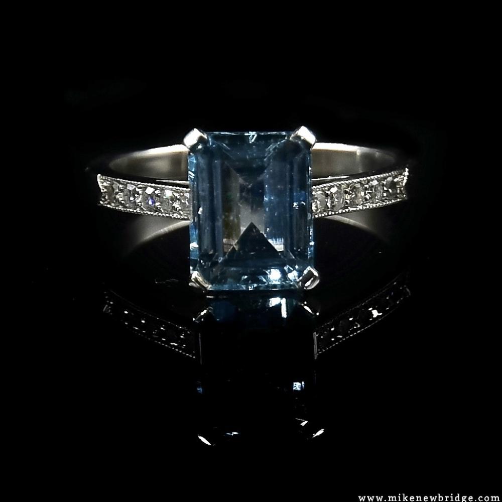 Ring met rechthoekige aquamarijn