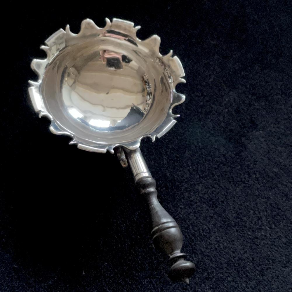 Miniatuur zilveren komfoor