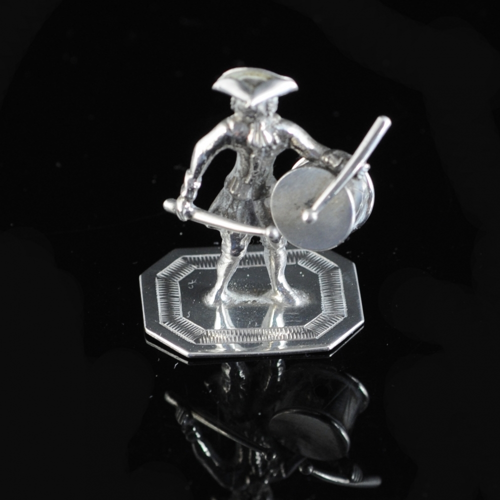 Miniatuurzilveren trommelaar