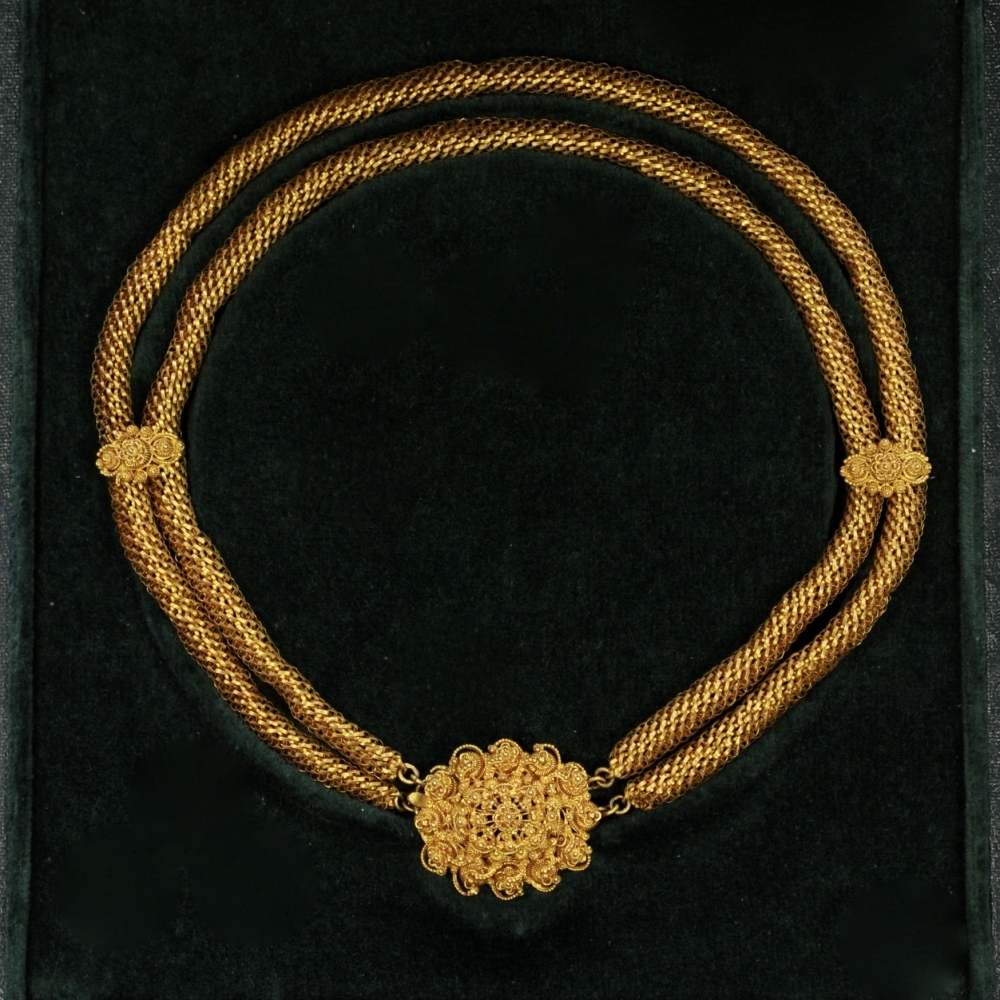 Collier van cannetille