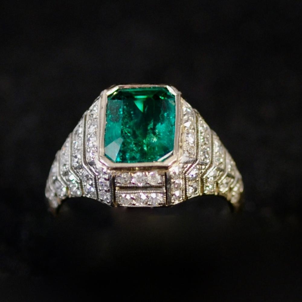 Smaragd en diamanten Art Deco ring