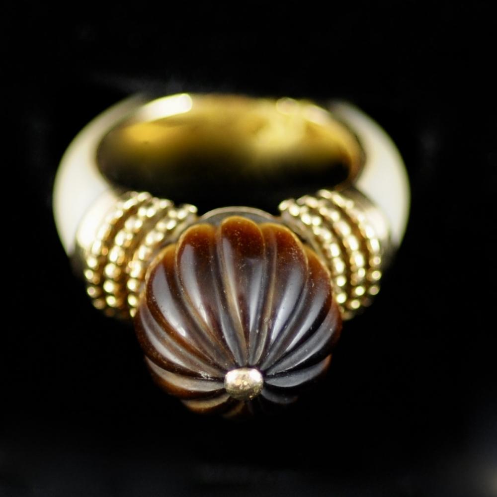 Tijgeroog en Ivoren Ring