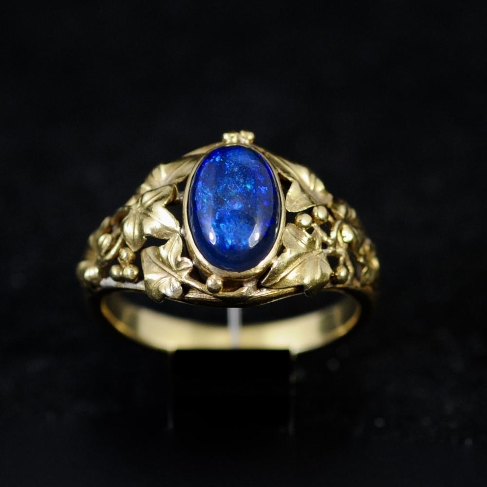 Art Nouveau ring zwart opaal