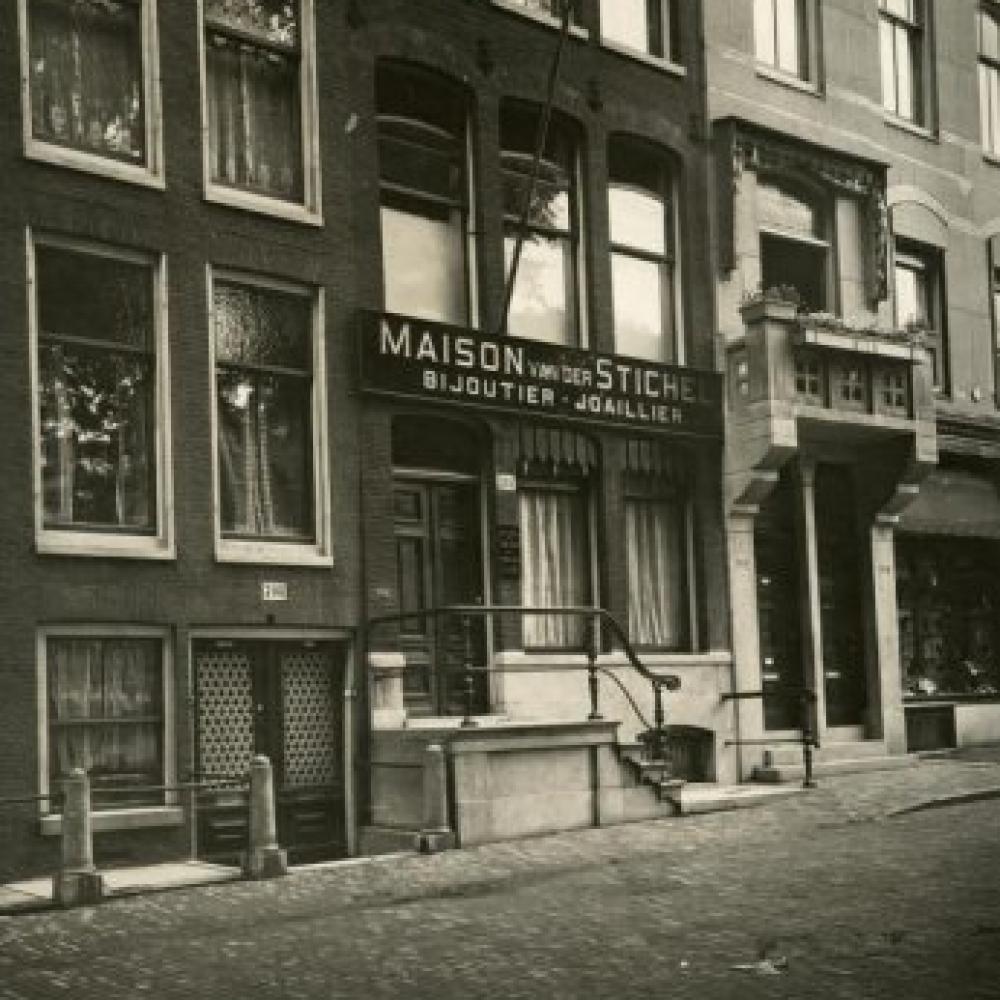 Atelier van Maison van der Stichel aan de Keizersgracht in 1919.