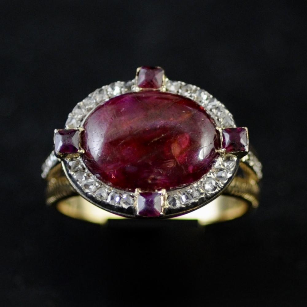 Robijn en diamanten ring