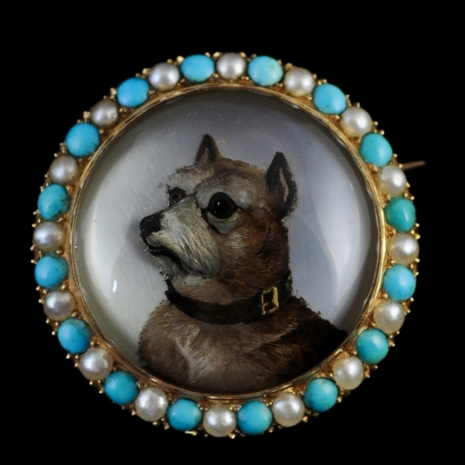 Large rock crystal brooch with terrier (Essex crystal)