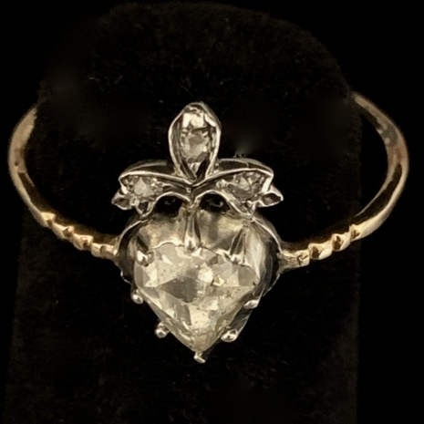 Antique hart shape ring