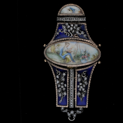 Viennese chatelaine