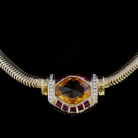 Necklace with citrine, rubies, sapphire,