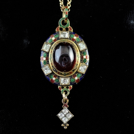 Victorian Holbeinesque pendant