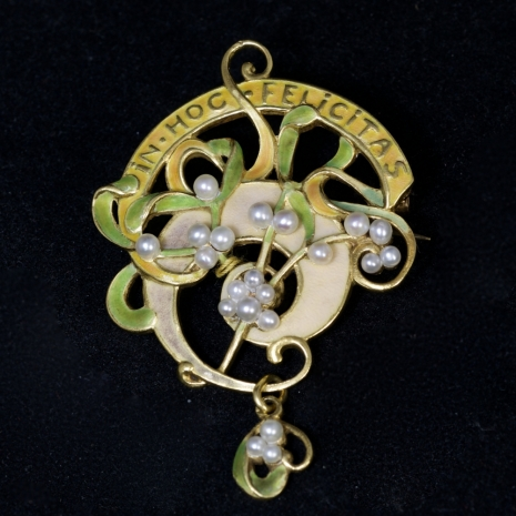 French Art Nouveau pendant / brooch