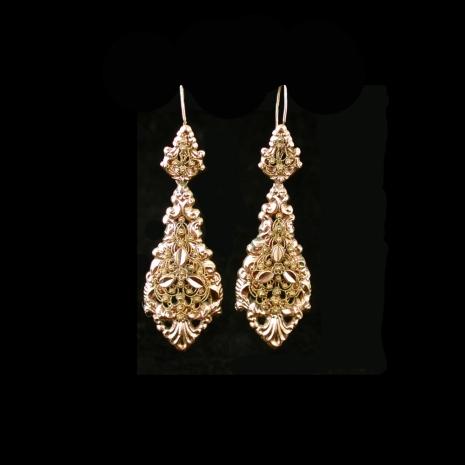 Antique Dutch earrings (cantille)