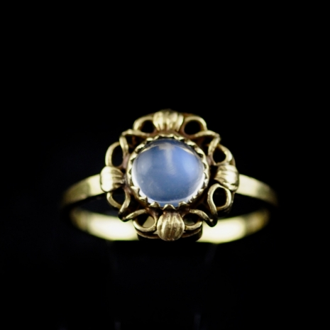 Gold and moonstone ring