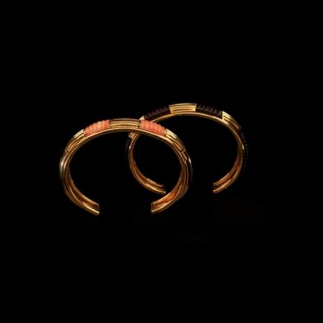 A pair golden bangles