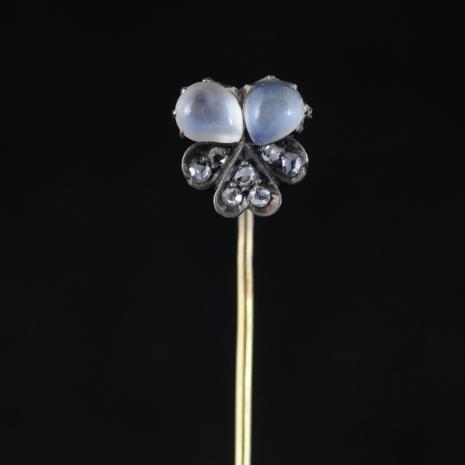 Violet Tie-pin