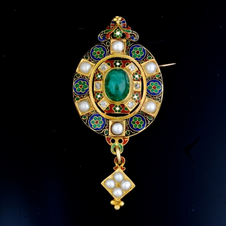 Holbeinesque brooch