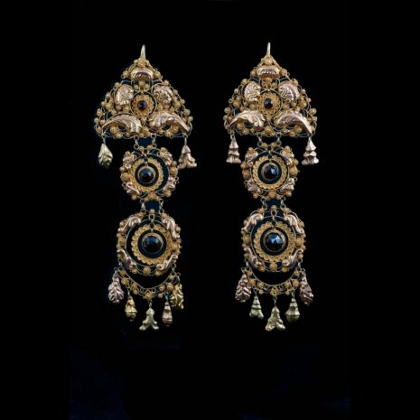Antique Dutch earrings (cap bells)