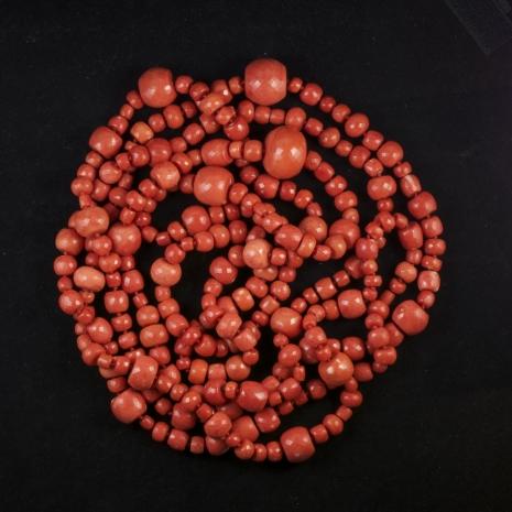 Coral necklace Tony Duquette (length: 8.5 feet)