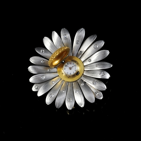 Daisy Brooch/pendant with hidden watch