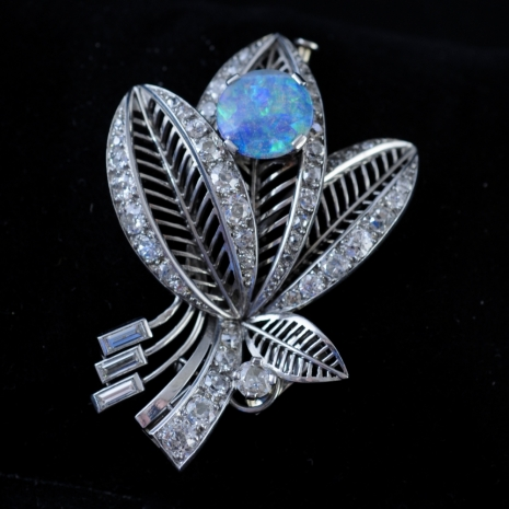 Brooch platinum 50ths