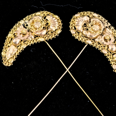Antique Dutch hood pins