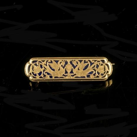 Neorenaissance brooch