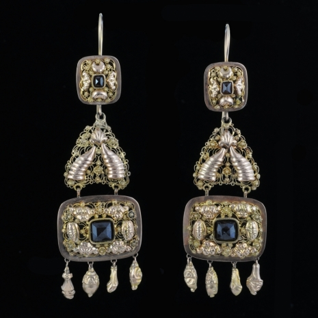 Antique Dutch earrings (stone bells)