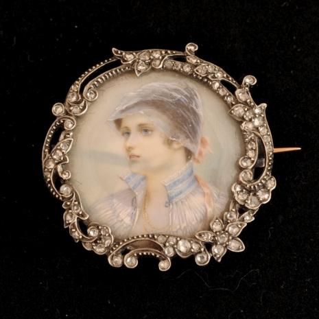 Brooch miniature on ivory