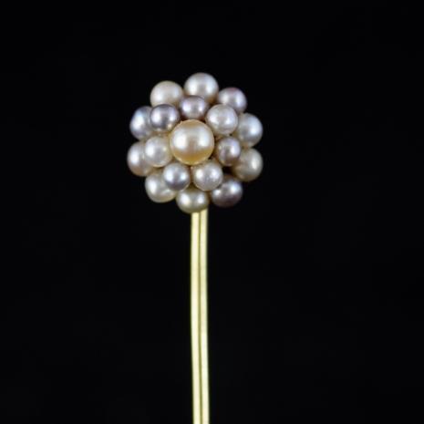 Tie pin color pearls