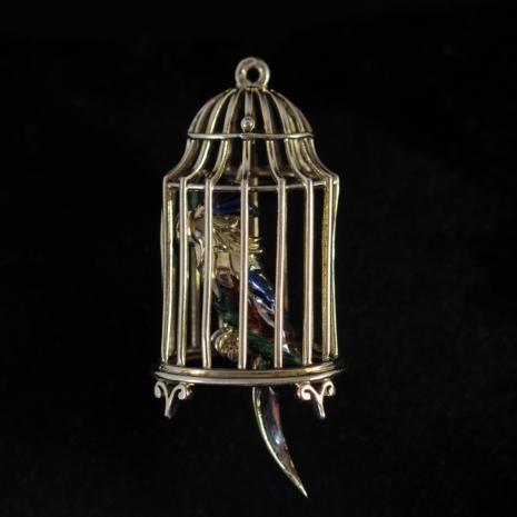 Clipbrooch bird cage